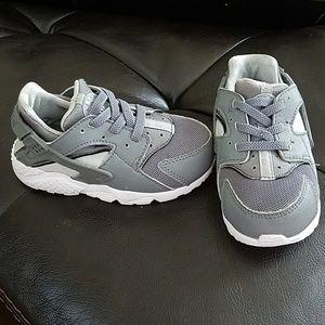 Nike Huarache Tennis shoe